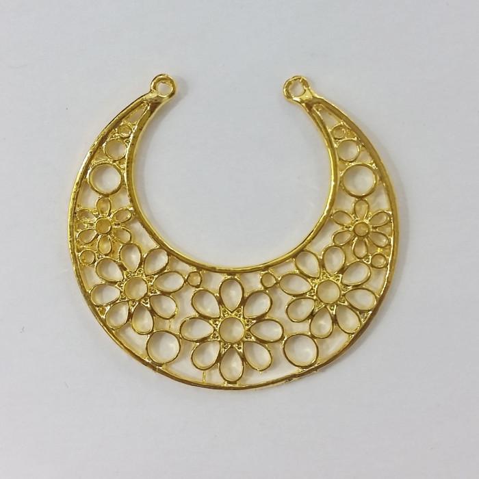 Pendentif rond en métal motif fleurs 48mm doré x1