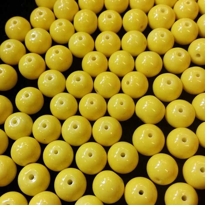 Perles en verre unies jaunes
