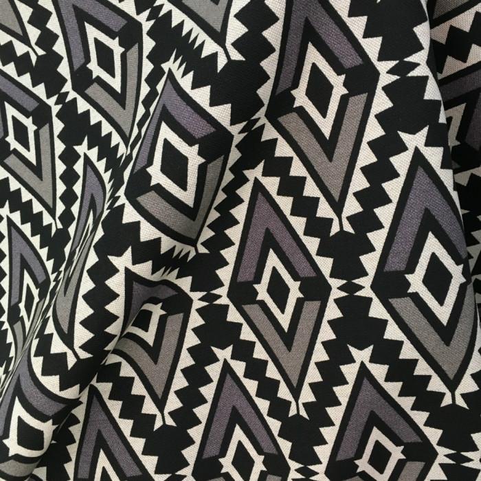 Tissu Aztèc gris et noir - Poppy
