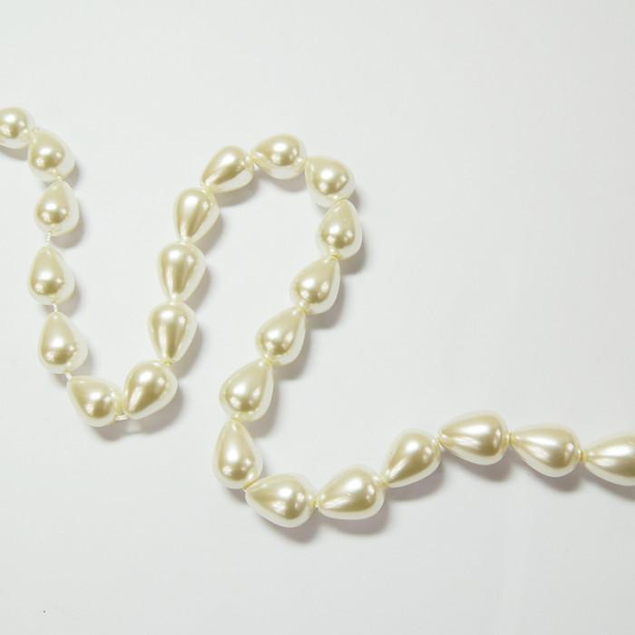 Perle nacrée goutte 14 x 10mm ecru x1