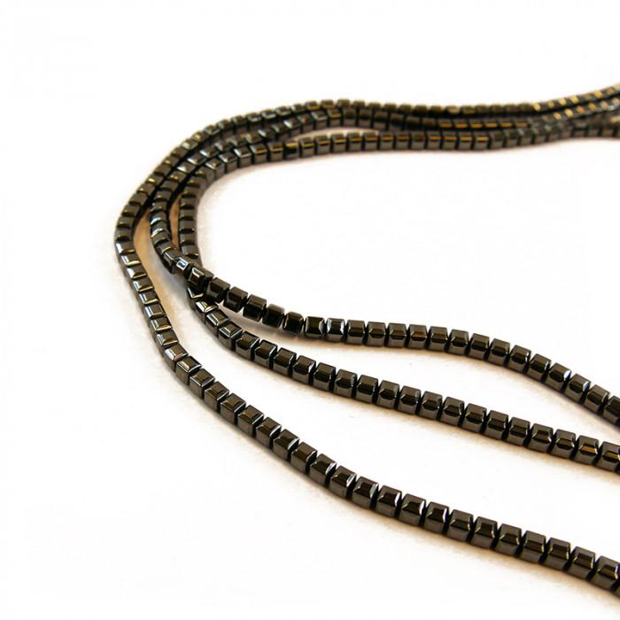 Perle carrée hématite 4mm x1