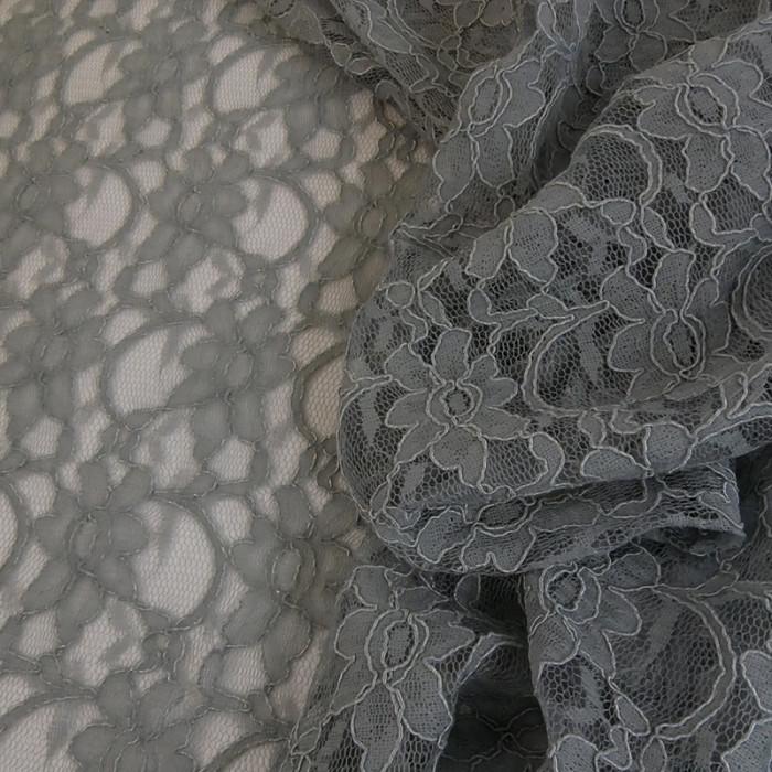 Tissu dentelle haute couture fleurs - gris x 10 cm