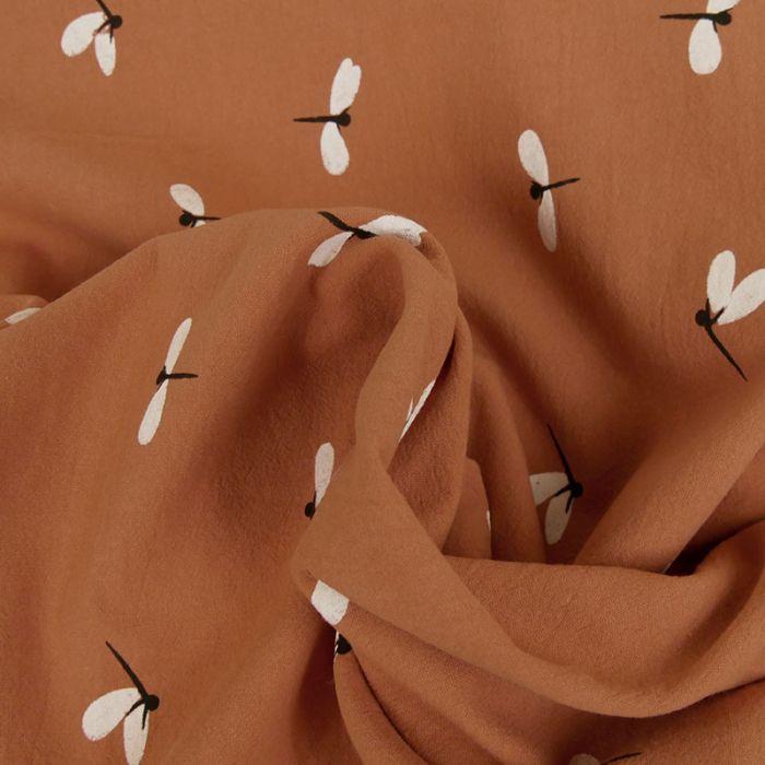 Tissu coton lavé libellules - rouille x 10 cm