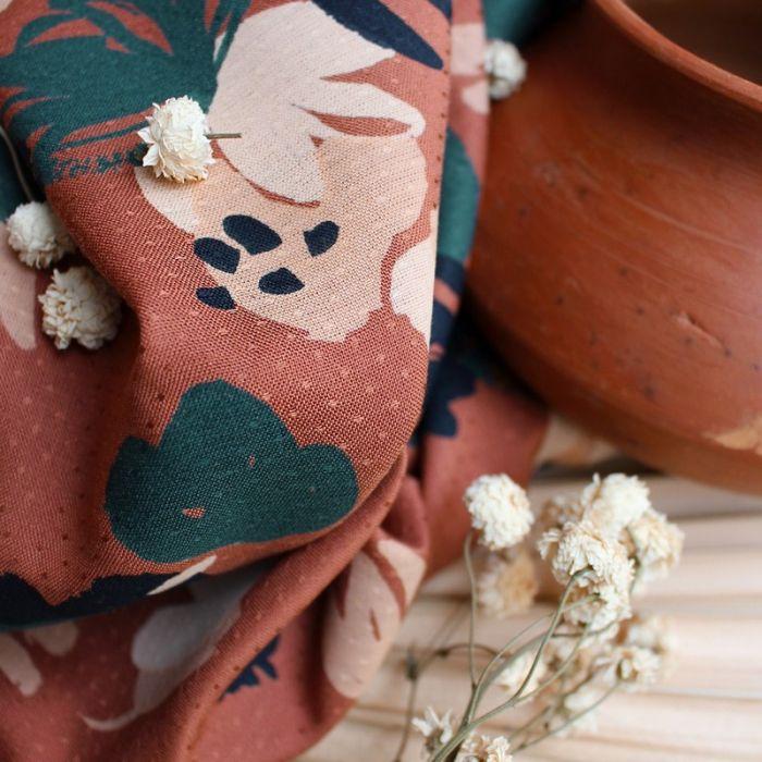 Tissu viscose plumetis Posie chestnut - Atelier Brunette x 10 cm