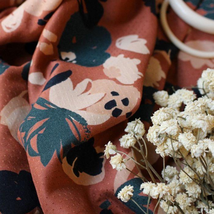 Tissu viscose plumetis Posie chesnut - Atelier Brunette x 10 cm