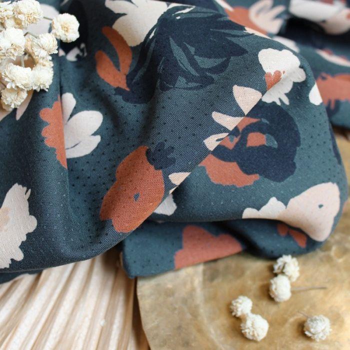 Tissu viscose plumetis Posie smokey - Atelier Brunette x 10 cm