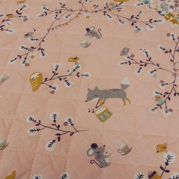 Tissu matelassé réversible animaux bois - rose x 10cm