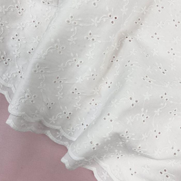 Tissu broderie anglaise Alva - blanc cassé x 10 cm