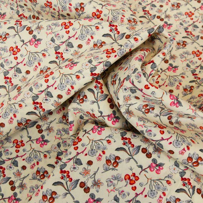 Tissu popeline coton framboises - écru x 10 cm