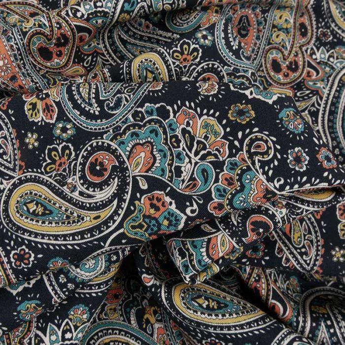Tissu viscose motif cachemire - noir x 10 cm