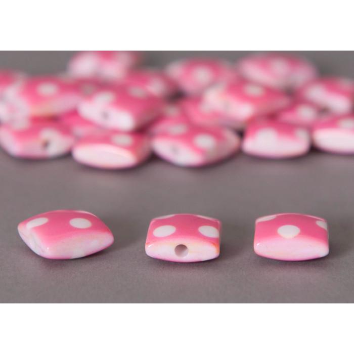 Perle plate carrée rose à pois x1