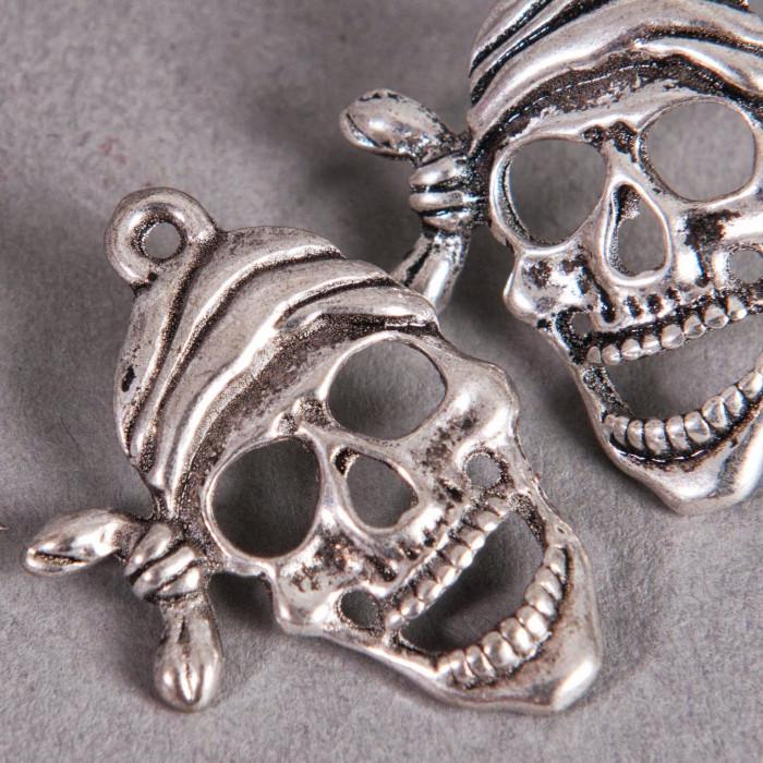 Breloque tête de mort pirate 27mm argent x1