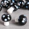 Perle en verre champignon 19mm noir à pois blanc x1