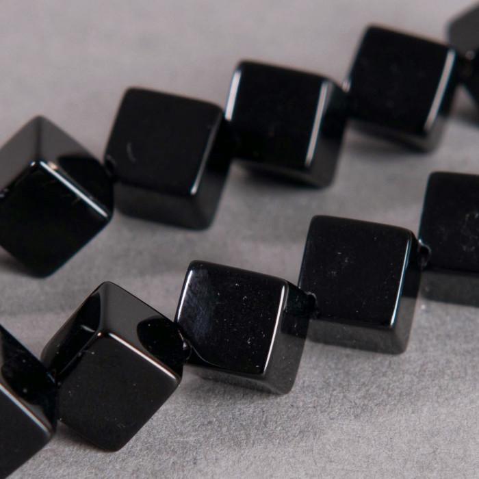 Agate forme de cube 8mm noir x1