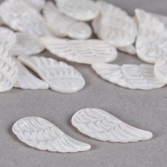 Pendentif de nacre aile 22/10mm blanc x1
