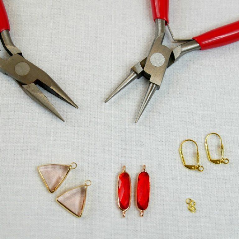 boucles d'oreilles breloques facettées rouges Atelier de la Création